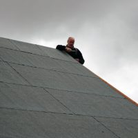 chicago roofing contractor at work