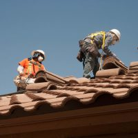 chicago roofing contractors during their work